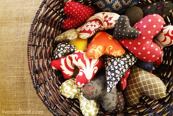 thanksgiving-activity-hearts-in-basket1