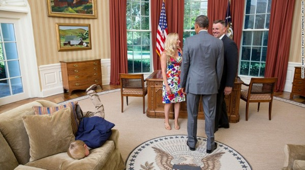 150525102257-obama-boy-oval-office-exlarge-169